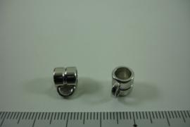 [ 1305 ] Tussen kraal 7.6 mm. breed met 1 oog, Zilverkleur, per stuk