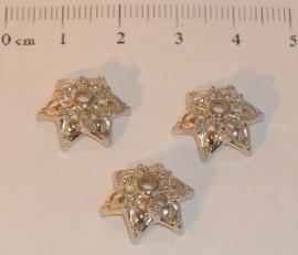 (5213) Kralenkapje 14 mm 6-punts zilverkleur. 16 stuks.
