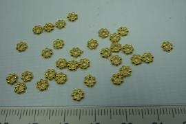 [ 5783 ] Spacer, Balineesje  4 x 2 mm. Goud kleur, 32 stuks