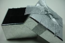 *[ 9129 ] Ring kado doosje 5 x 5 x 3 cm. Zilver, per stuk