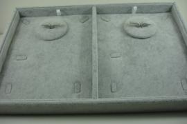 *[ 9321 ] 2 Vaks openbak 35 x 24 cm. Sieradensets, Licht Grijs Fluweel