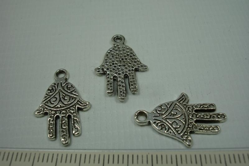 [0685 ] Fatima handje metaal, 22 x 14 mm. per stuk