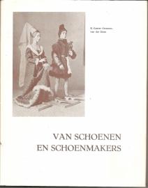 """Canter Cremers-van der Does, E.: """"Van schoenen en schoenmakers"""""""