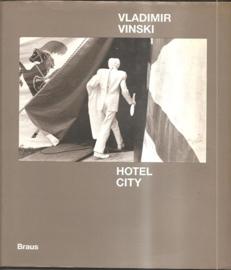 "Vinski, Vladimir: ""Hotel City""."