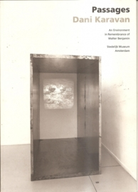 Catalogus Stedelijk museum zonder nummer: Dani Karavan: Passages. an Environment in Remembrance of Walter Benjamin.