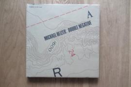 Heizer, Michael: Double negative