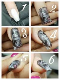 Aanbrengen van een  Nailin Nail Art Wrap
