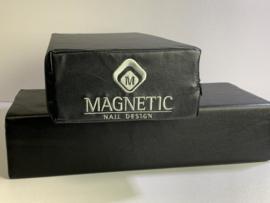 Magnetic Armkussen XL Black met geborduurd logo aan 1 zijde 179002
