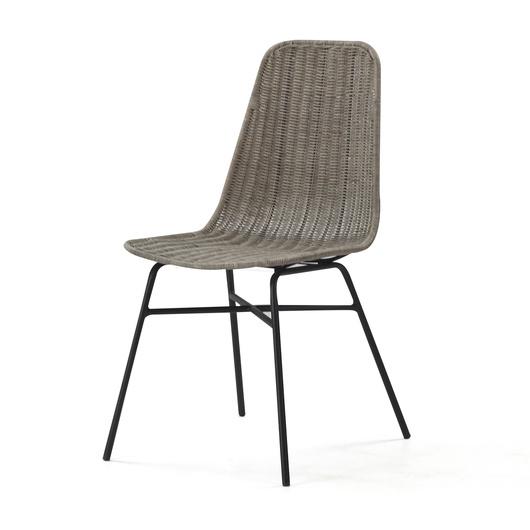 Chair Avari