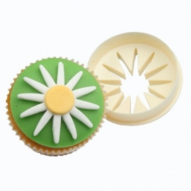 FMM cupcake cutter double sided Daisy