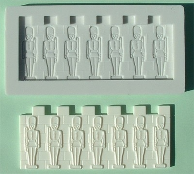 AM0028 Tin Soldiers Border