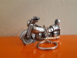 Sleutelhanger motor zilver
