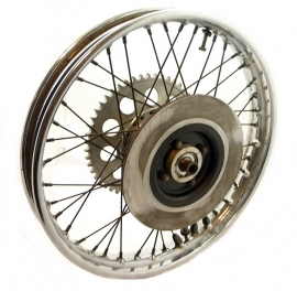 Triumph T160 rear wheel assy (37-4252)