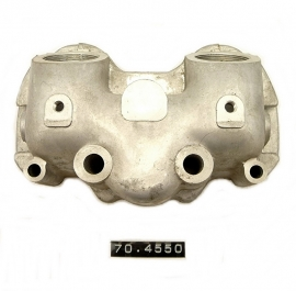 Triumph 650 unit rocker-box inlet (70-4550)