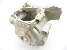 Norton Commando 750 Combat crankcase 06.4045 / 06.3786   replaces 06.1099 / 06.1112 / 06.3334 / 06.3787
