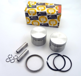 Norton Commando 850 Pair of genuine Hepolite pistons  06.4043