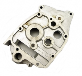 Triumph T140 TR7 gearbox inner cover (57-7049/ 57-3752)