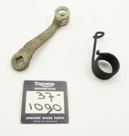 Triumph 5T-T100-T110-T120 brake cam lever + lever return spring (37-1085 + 37-1090)