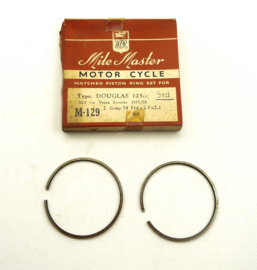 Douglas Vespa 125 Piston ring set (M-129)