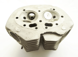 Norton Commando 750 Cylinder head (06.0988, castingnr: 06-0380)