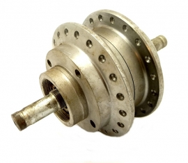 Triumph T140 / TR7 / T150 / T160 front wheel hub assy complete (37-4126 / 37-4127)
