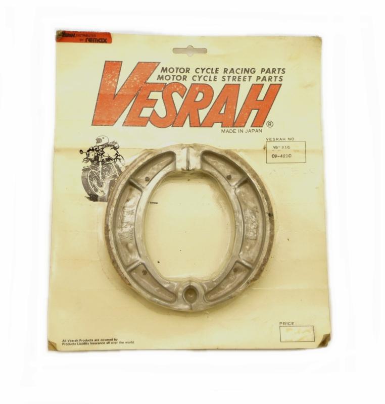 Yamaha XT 500 Pair of rear brake shoes by Vesrah (214-25130-00)