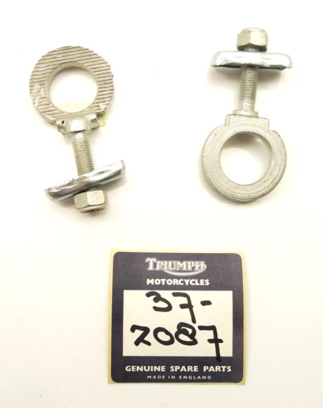 Triumph T100-T120-T150 Rear wheel adjuster set, Partno. 37-2087-1015