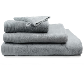 Geborduurde handdoek met eigen naam of tekst licht grijs