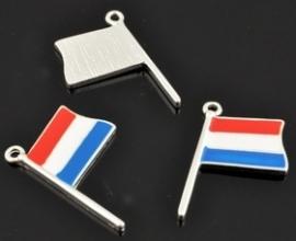 Bedel - Nederlandse vlag rood wit blauw met epoxy ± 27x17mm (oogje ± 1,5mm)