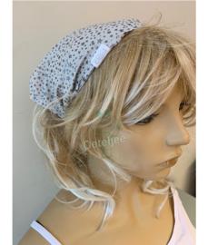 """Haarband / bandana """"wit met zilveren sterretjes"""""""