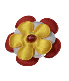 Corsage bloem Oeteldonkse kleuren rood wit geel