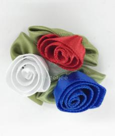 Roosjes set Holland rood wit blauw met groene blaadjes