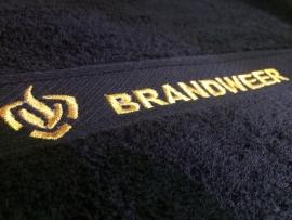 Brandweer handdoek geborduurd met tekst + logo brandweer