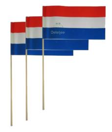 Papieren zwaaivlaggetjes rood wit blauw