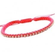 Armbandje neon roze satijnkoord met strass en kraaltjes