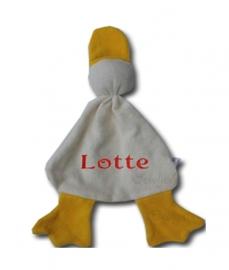 Duimpopje badstof eend met geborduurde eigen naam in Oeteldonkse kleuren rood wit geel