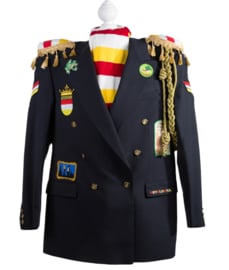 Waar moet ik op letten als ik een (gepimpte) Oeteldonkse jas of kiel aan wil schaffen?