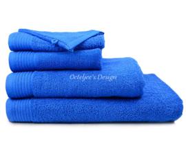 Geborduurde handdoek met eigen naam of tekst royal blue