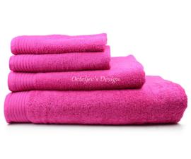 Geborduurde handdoek met eigen naam of tekst Magenta