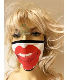 Mondkapje wit/zwart bedrukking lippen (m/v) no.57
