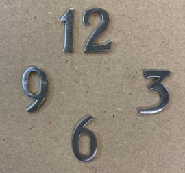113.81 set van 4 hoogglans verchroomde cijfers, bestaande uit 3,6,9 en 12, hoogte ca 16 mm