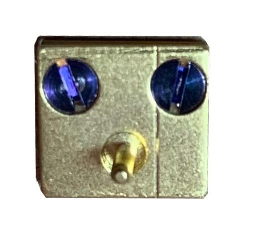 jp71 Messing blok, groot, onderstuk  8 x 7,5 mm, Duitsland