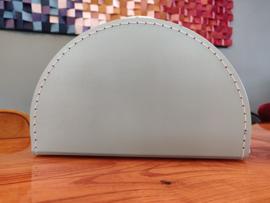 Koffertje half rond mint groen 28 cm
