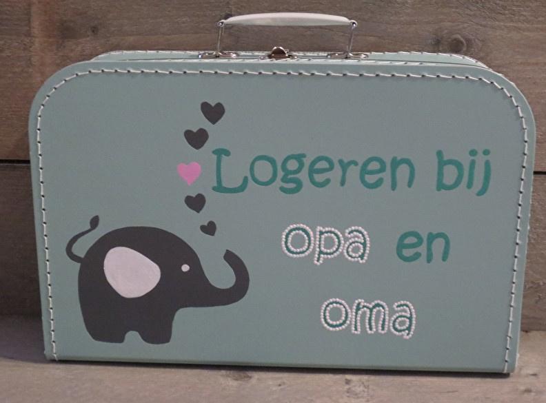 "Koffertje logeren bij Opa en oma  ""25 cm"""