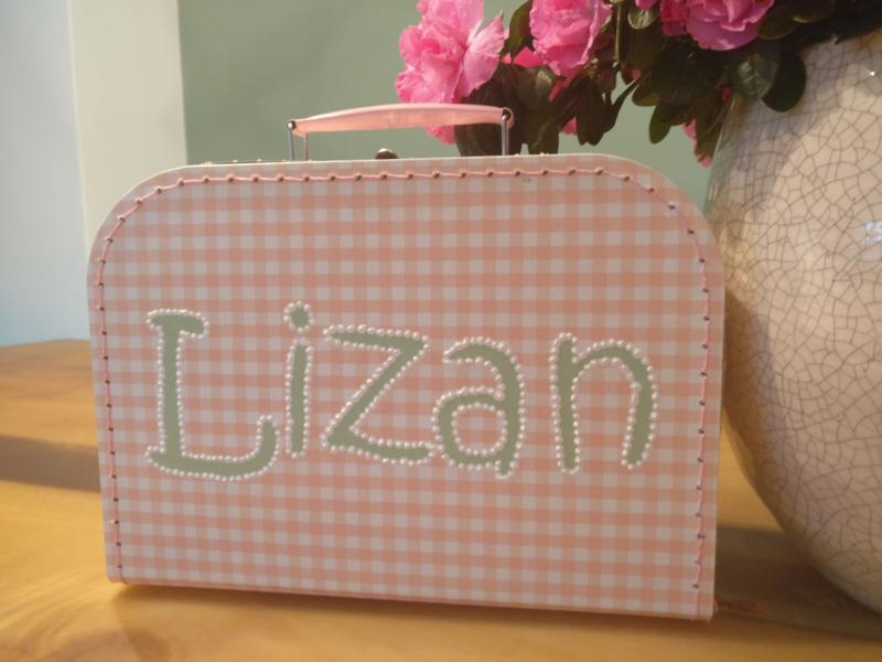 Koffertje roze ruitjes