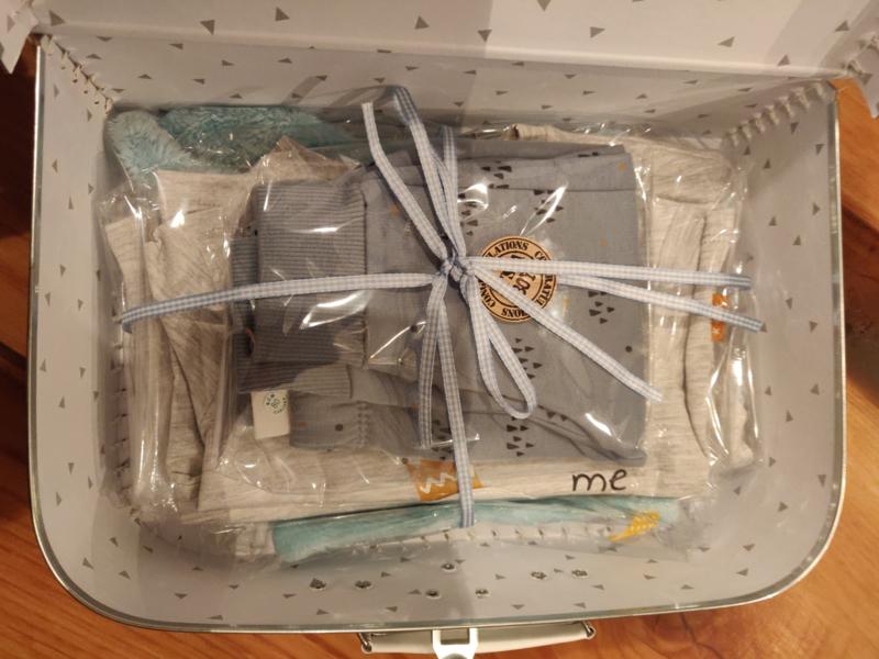 Koffertje laten vullen met spulletjes