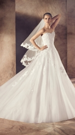 Avenue Diagonal Faldar (by Pronovias)