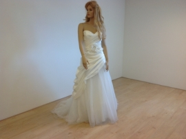 Pure Bridal Model 5747 maat 42