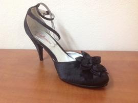 Halfopen schoen zwart satijn maat 39