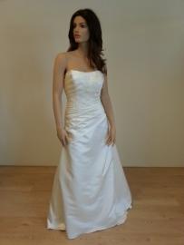 Pure Bridal Model 9166 maat 42